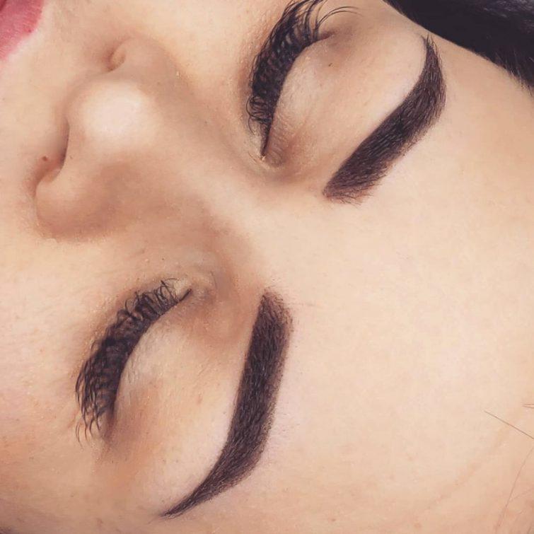 Brwi - makijaż permanentny