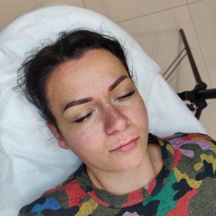 Makijaż brwi permanentny